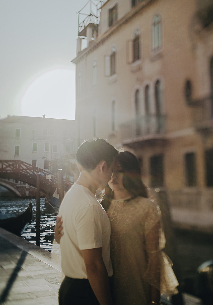 Couple shooting session in Venice