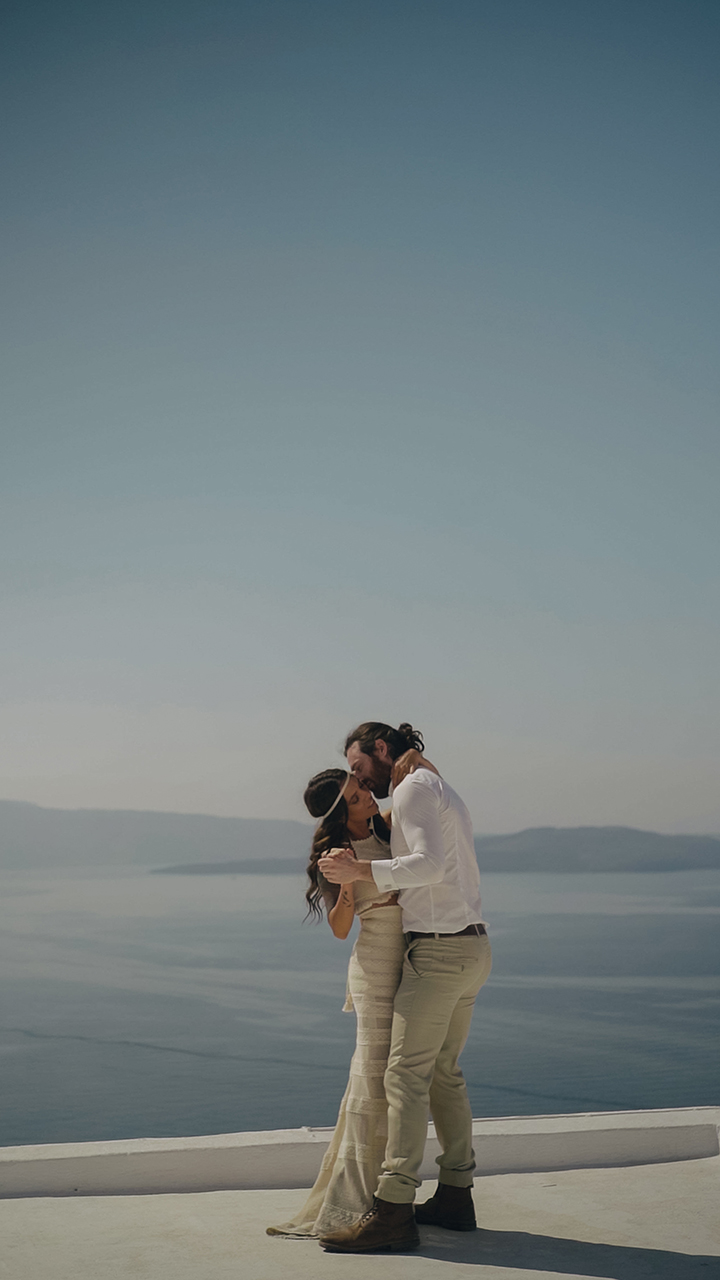 couple shooting session in Santorin